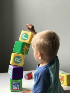10 Ideas to Keep Your Toddlers Entertained