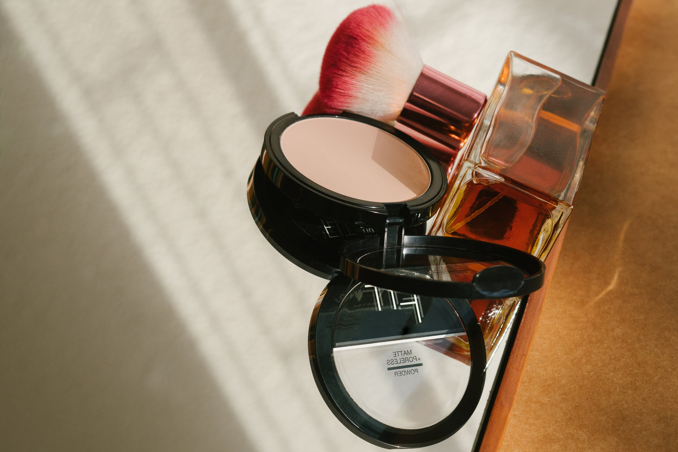 7 Best Concealers for Oily Skin on The Market
